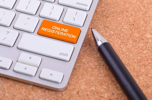 Geschäftskonzept: Computer-Tastatur mit Online-REGISTERATION Wort auf Schaltflächenhintergrund, 3d Render und Exemplar Bereich eingeben. – Foto