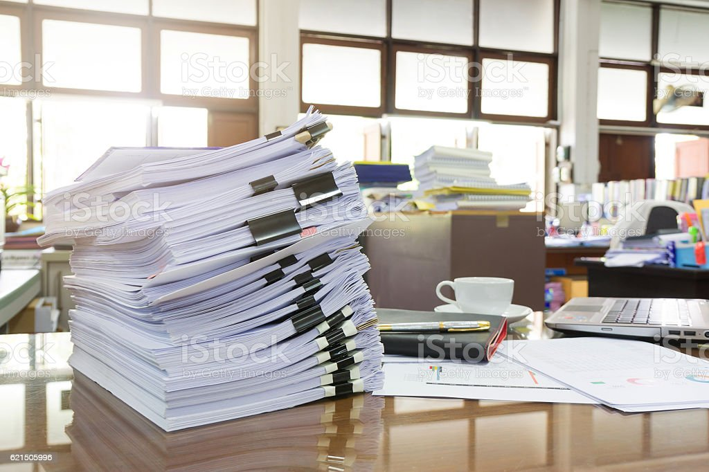 Business Concept, Pile of unfinished documents on office desk, Stack photo libre de droits