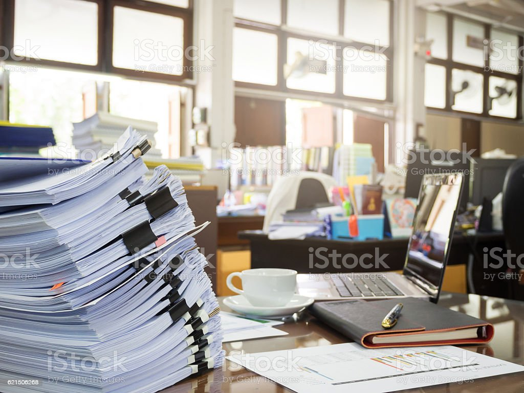 Business Concept, Pile of unfinished documents on office desk, Stack foto stock royalty-free