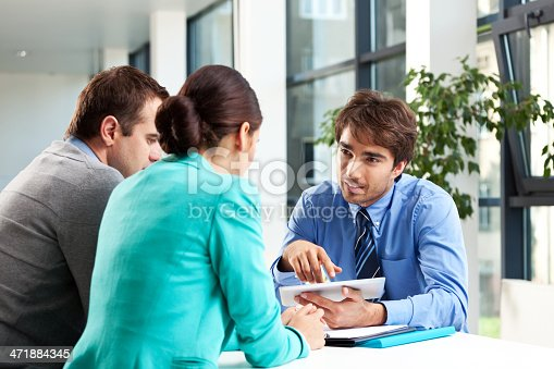 155279487 istock photo Business consulting 471884345