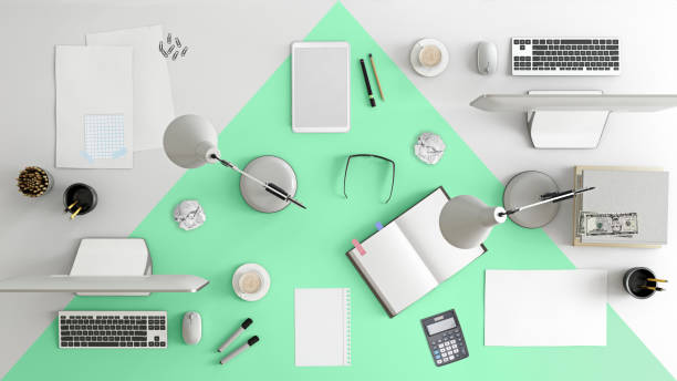 business desk teamarbeit knolling - bürolampe stock-fotos und bilder