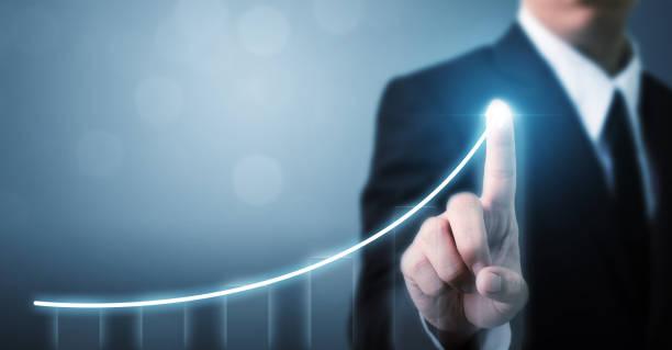 業務發展以成功和成長為理念, 商家指點箭頭圖企業未來成長計畫 - 人數 個照片及圖片檔
