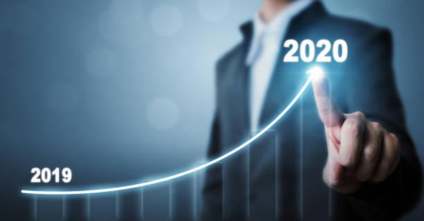 Geschäftsentwicklung zum Erfolg im Jahr 2020 Konzept. Geschäftsmann zeigt Pfeil Graph Corporate Future Wachstumsplan – Foto