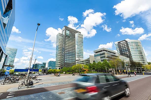distretto commerciale zuida di amsterdam. - subway foto e immagini stock