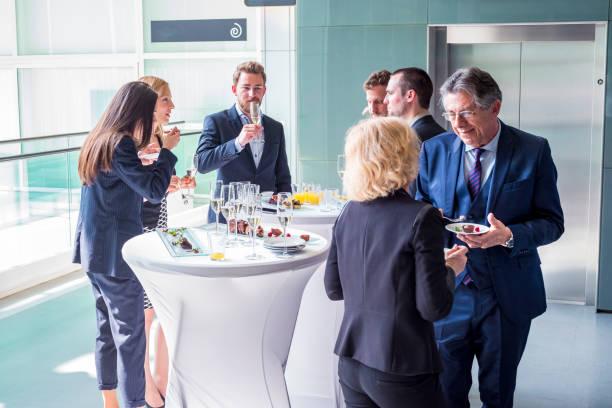 evento de negocio - gastronomía fina fotografías e imágenes de stock