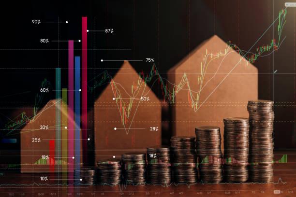 Unternehmen finanzielle Einsparung und Versicherung Ideen Konzept mit Haus-Modell und Geld Münze Stack dunkles Bildton – Foto