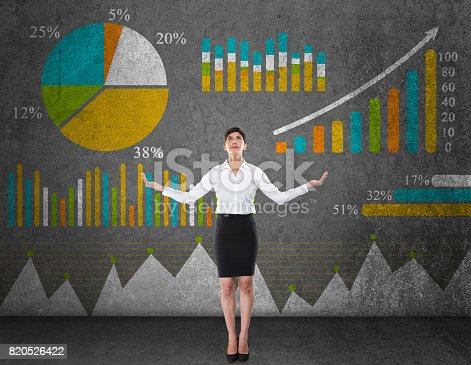 517703860istockphoto Business graph concept 820526422