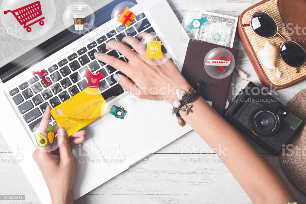 Hand halten Geschäftskreditkarte. Warenkorb shopping online-Zahlung e-Commerce Internet Technologie-Markt-Konzept. – Foto