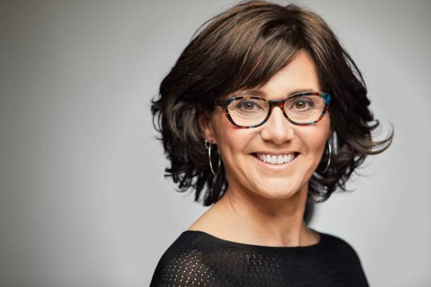 Brille kurzhaarfrisur frau mit Kurzhaarfrisuren für