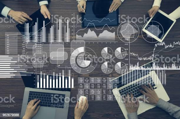 Концепция Бизнесинформации И Инфографики — стоковые фотографии и другие картинки Анализировать