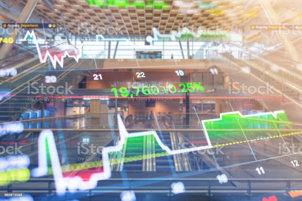 Zakelijke investeringen thema stockmarket Oslo stad Noorwegen straat scène met mensen achtergrond - Royalty-free Bank - Financieel gebouw Stockfoto