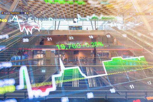 Zakelijke Investeringen Thema Stockmarket Oslo Stad Noorwegen Straat Scène Met Mensen Achtergrond Stockfoto en meer beelden van Bank - Financieel gebouw
