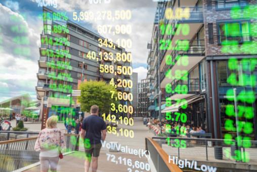 Zakelijke Investeringen Thema Stockmarket Oslo Stad Noorwegen Straat Scène Met Mensen Achtergrond Stockfoto en meer beelden van Achtergrond - Thema