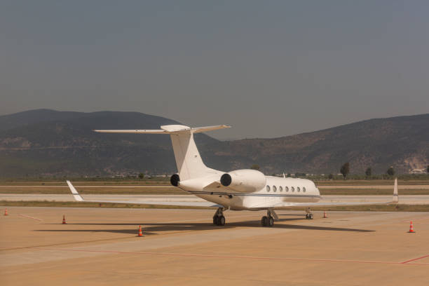 muğla Türkiye turistik Bodrum milas havaalanında iş jet yolcu uçağı stok fotoğrafı