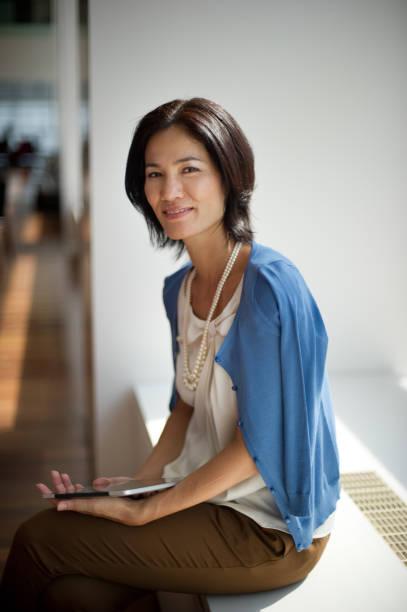 ビジネスライフ - 女性会社員 ストックフォトと画像