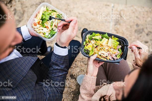 Business Lunchpause In Chicago Downtown Stockfoto und mehr Bilder von Speisen oder Getränke zum Mitnehmen
