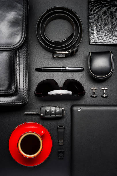 business-mann-zubehör und kaffee - porzellan schmuck stock-fotos und bilder