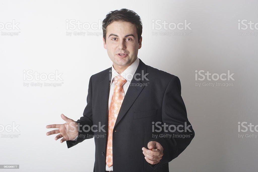 にプレゼンテーションのビジネスの男性のクローズアップ - 1人のロイヤリティフリーストックフォト