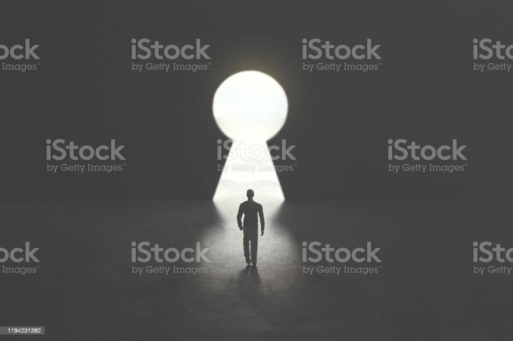 Geschäftsmann erhalten den Zugang zum Erfolg, Schlüsselloch Form Tür - Lizenzfrei Anfang Stock-Foto