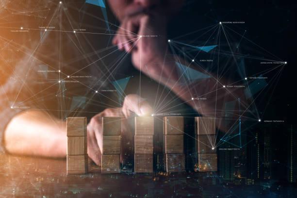 Business Man handgebaute Struktur Holzblock mit virtuellen Linie verbinden Strategie Vision planen Business-Idee-Konzept – Foto