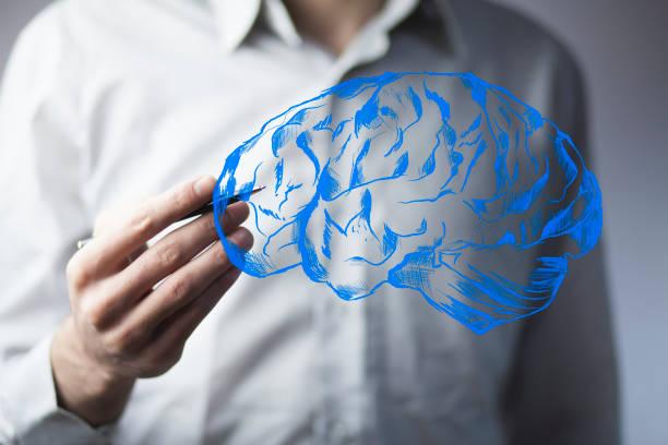 Business Mann Hand Stift und Gehirn im Bildschirm – Foto