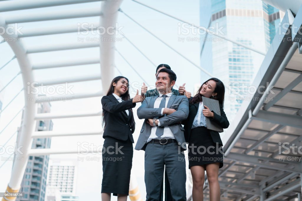 Business man has leadership of organization. Leader success showing management team. Sucessful of business people working teamwork. concept of unity, together and project success. - Royalty-free Achievement Stock Photo