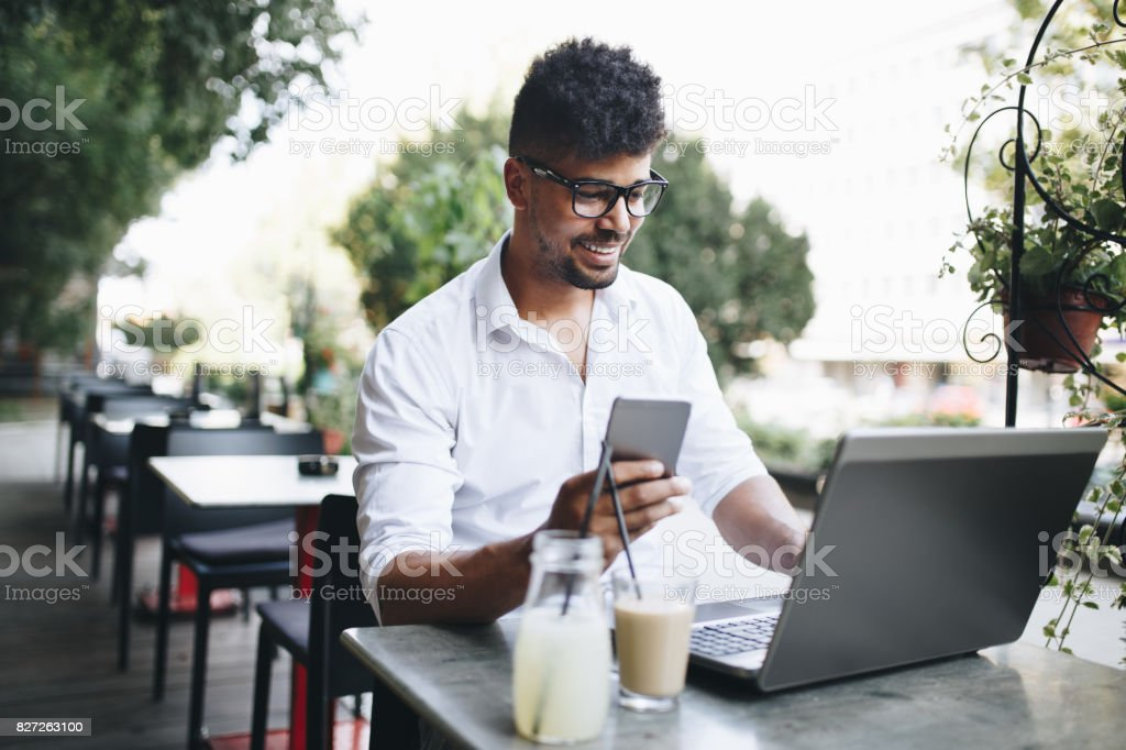 Business man in city - Royalty-free Adult Stock Photo