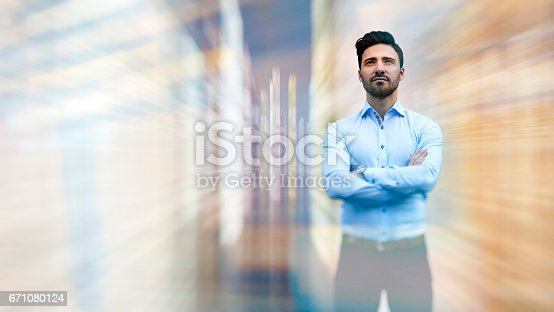 istock Business man observing fast speed dataflow 671080124
