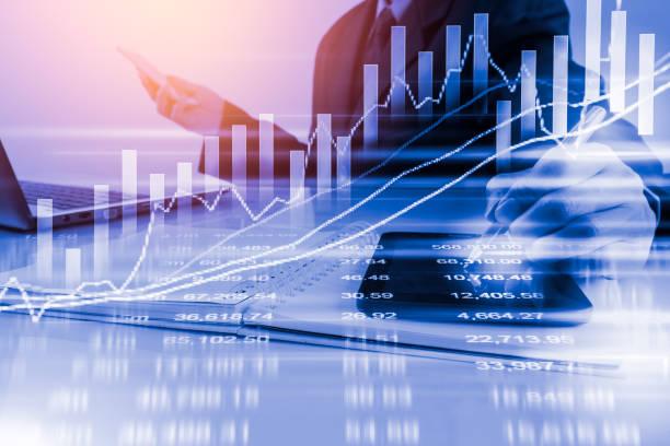 Geschäftsmann auf digitale Börse finanziellen Hintergrund. Digital – Foto