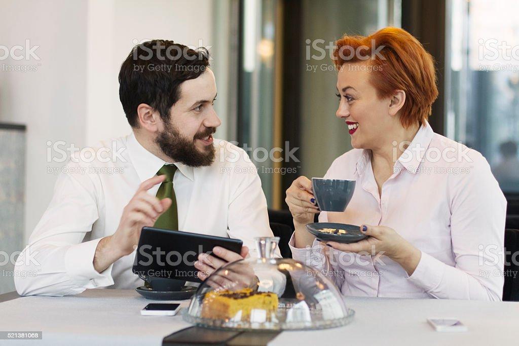 Spotkanie biznesowe w kawiarni – zdjęcie