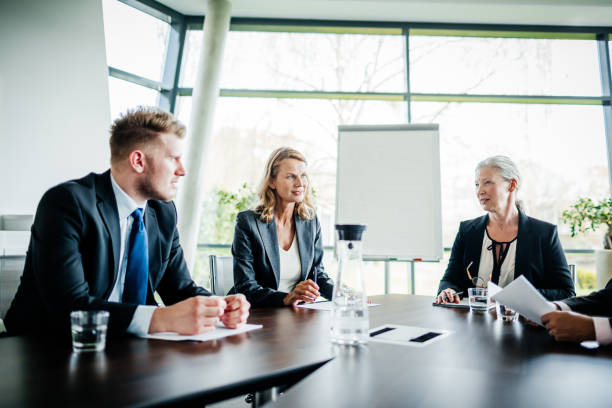 Business Meeting Between Shareholders and Managers - foto stock