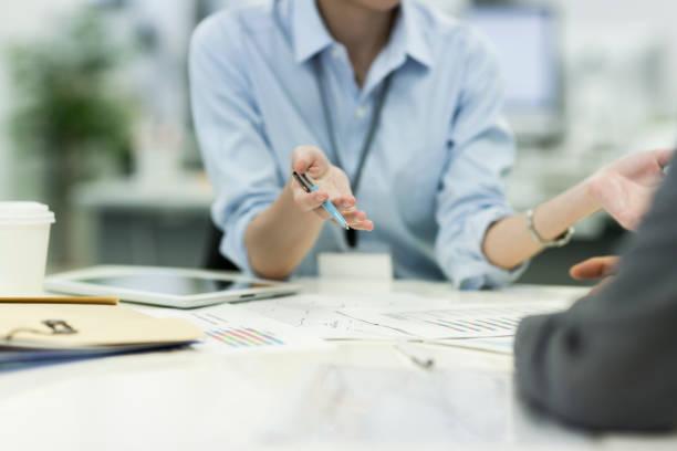 ビジネス会議 - ビジネスフォーマル ストックフォトと画像