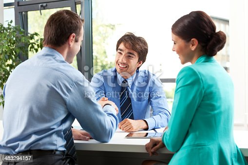 155279487 istock photo Business meeting 483294157