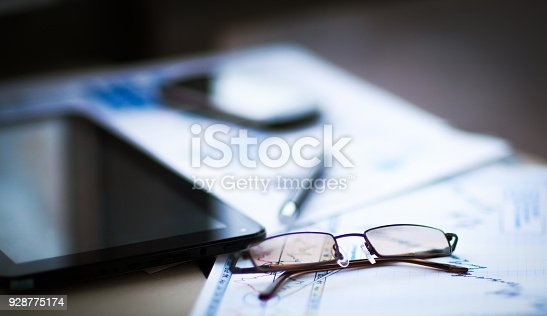 istock Business of financial analysis of workplace 928775174