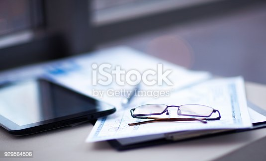 istock Business of financial analysis of workplace 929564506