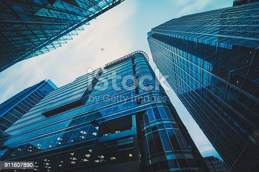 istock Business office building in London, 911607890
