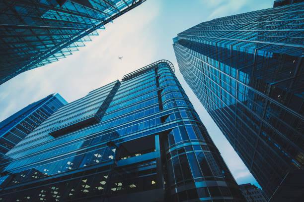 edificio per uffici commerciali a londra, - costruire foto e immagini stock