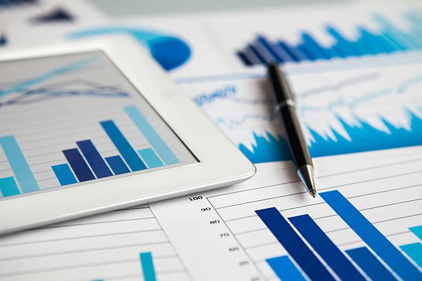 Geschäft auf tablet PC – Foto