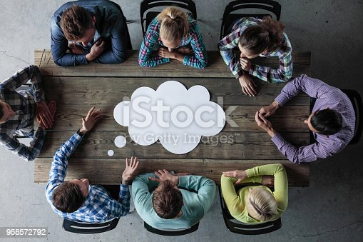 istock Business opinion dialog cloud 958572792