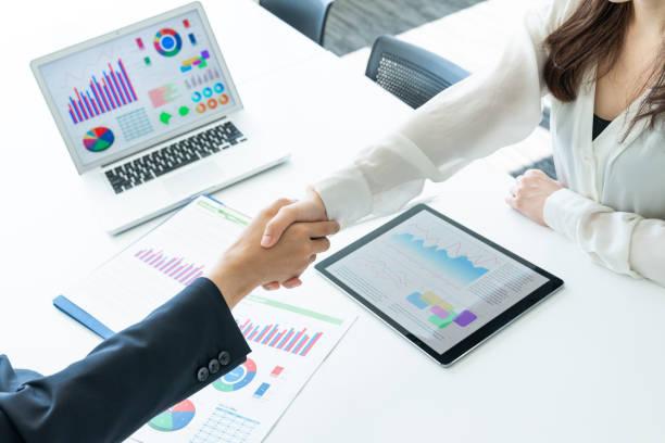 ビジネス パートナーシップの概念。握手。 ストックフォト