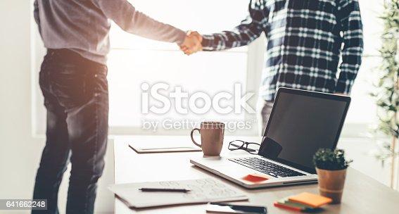 528606286 istock photo Business partnership meeting 641662248