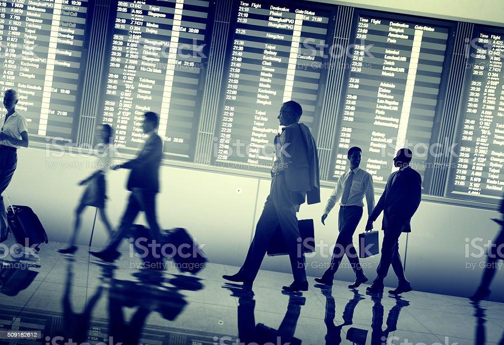 Las personas de negocios Terminal del aeropuerto de viajes concepto de salida - foto de stock