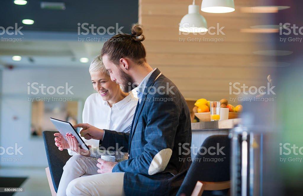 Gens d'affaires au café - Photo