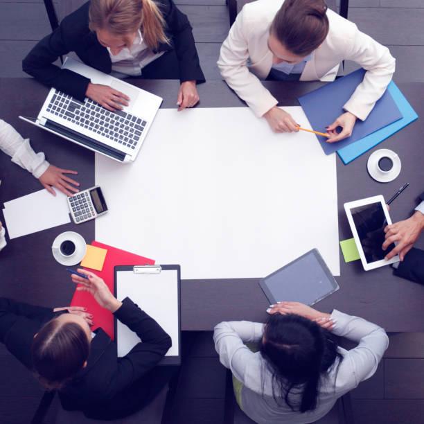 Geschäftsleute am Arbeitsplatz – Foto