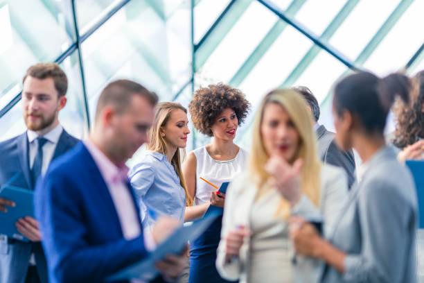 비즈니스 사람들이 회의에 참석 스톡 사진