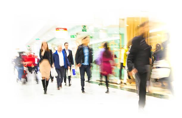 business persone sfocatura. - city walking background foto e immagini stock