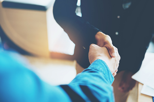 656005826 istock photo Business people colleagues shaking hands meeting Planning Strategy Analysis Concept 923543116