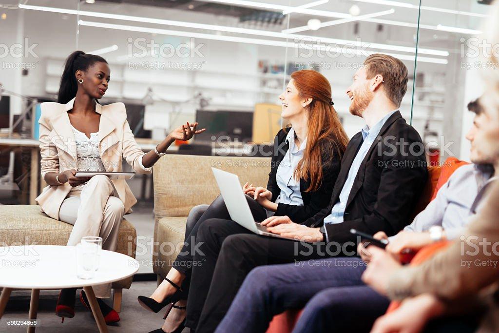 Деловые люди, разговор. Технологии в исполнение Стоковые фото Стоковая фотография