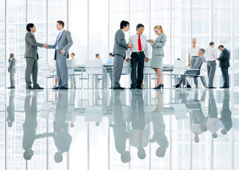 532257236 istock photo Business people discussing 466229505