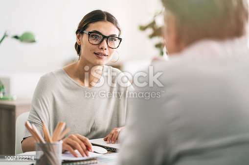 istock Business people discussion advisor concept 1007122214